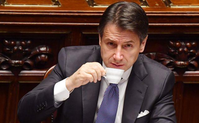 Vladi, na čelu katere je Giuseppe Conte, je po več tednih pogajanj uspelo zbližati stališča glede večine odprtih vprašanj, povezanih s proračunom za prihodnje leto. Foto Andreas Solaro / Afp