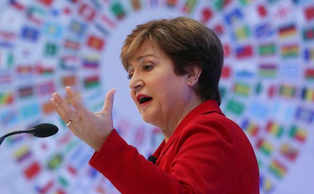 IMF, ki ga vodi nova glavna direktorica Kristalina Georgieva, opozarja na ohladitev svetovne ekonomije in trgovine ter hkrati države poziva k odpravi trgovinskih ovir in ublažitvi geopolitičnih napetosti. FOTO: Mark Wilson/AFP