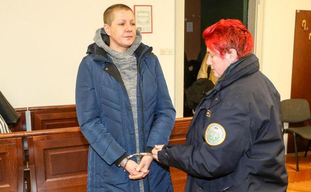 Maja Zajec je partnerja zabodla, nato pa mu nudila prvo pomoč in poklicala reševalce. FOTO: Marko Feist