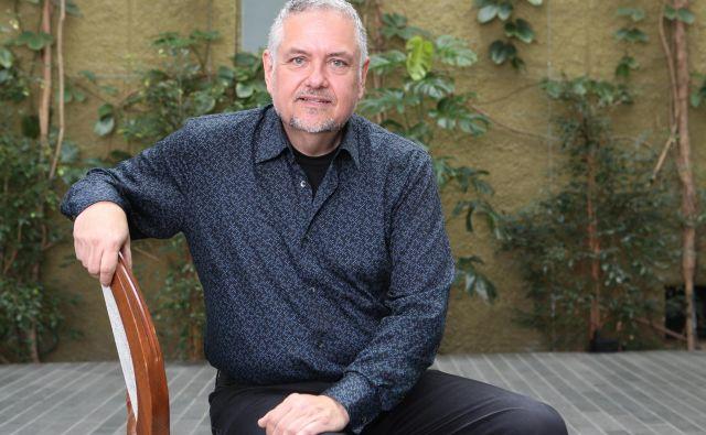 Eden najaktivnejših članov slovenske skupnosti v ZDA je zgodovinar, filmar in strokovnjak za odnose z javnostmi Joe Valenčič.