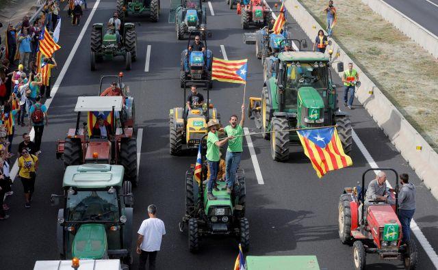 Katalonci protestirajo zaradi nedavne razsodbe vrhovnega sodišča.Foto: Reuters