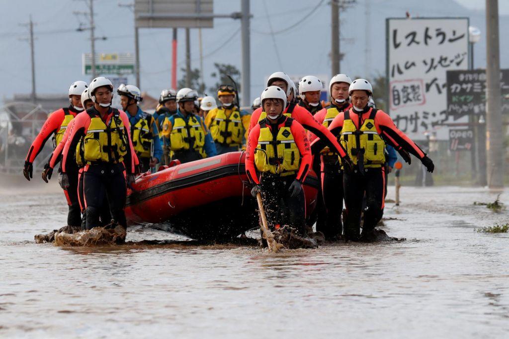 FOTO:Število žrtev tajfuna Hagibis se je povzpelo na 66