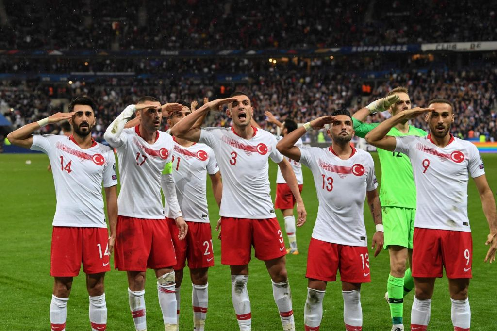 Škandalozni pozdrav turških nogometnih reprezentantov
