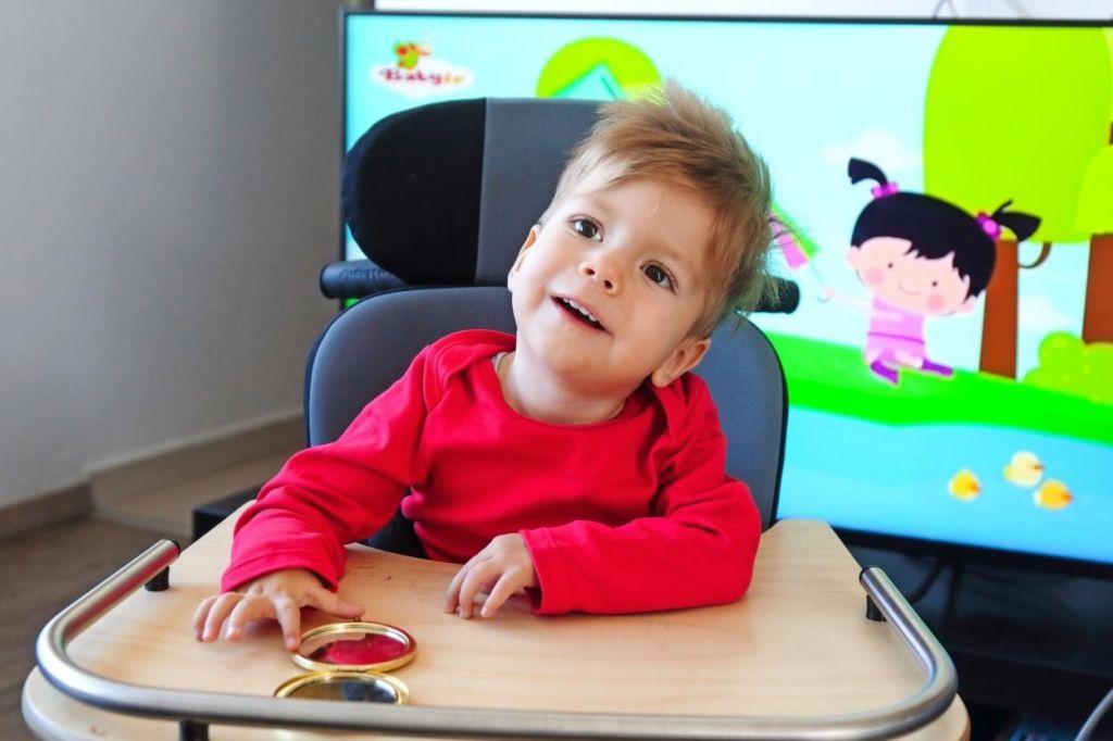 Kris bo pomagal drugim malim bolnikom