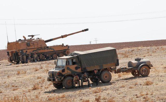 Izvoz orožja v Turčijo, je zaradi turškega vojaškega napada na sever Sirije v Nemčiji poskrbel za nemalo razburjenja. FOTO: Murad Sezer/Reuters