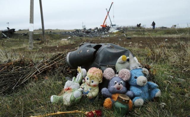 Med 298 žrtvami je bilo tudi 80 otrok. FOTO: Reuters