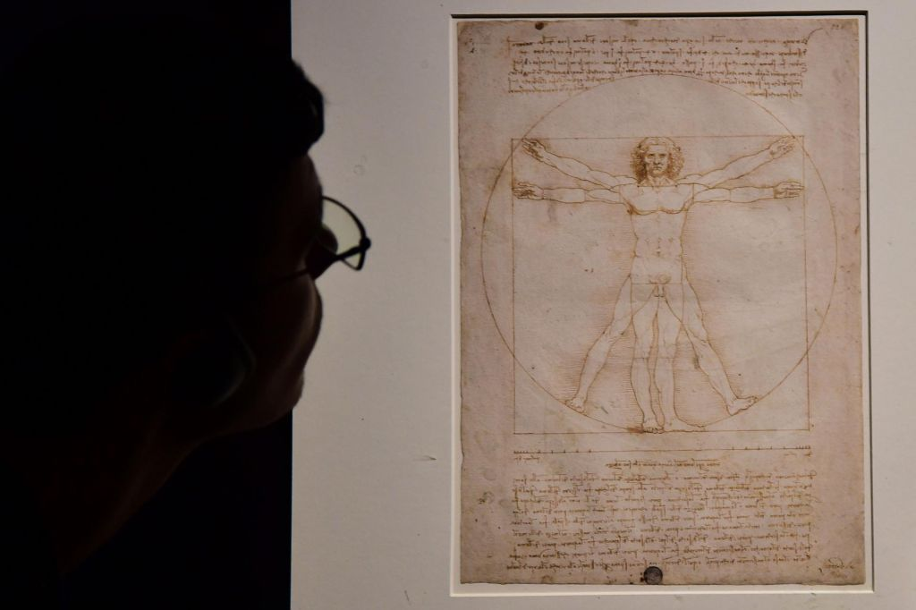 FOTO:Leonardov Vitruvijec odhaja v Louvre