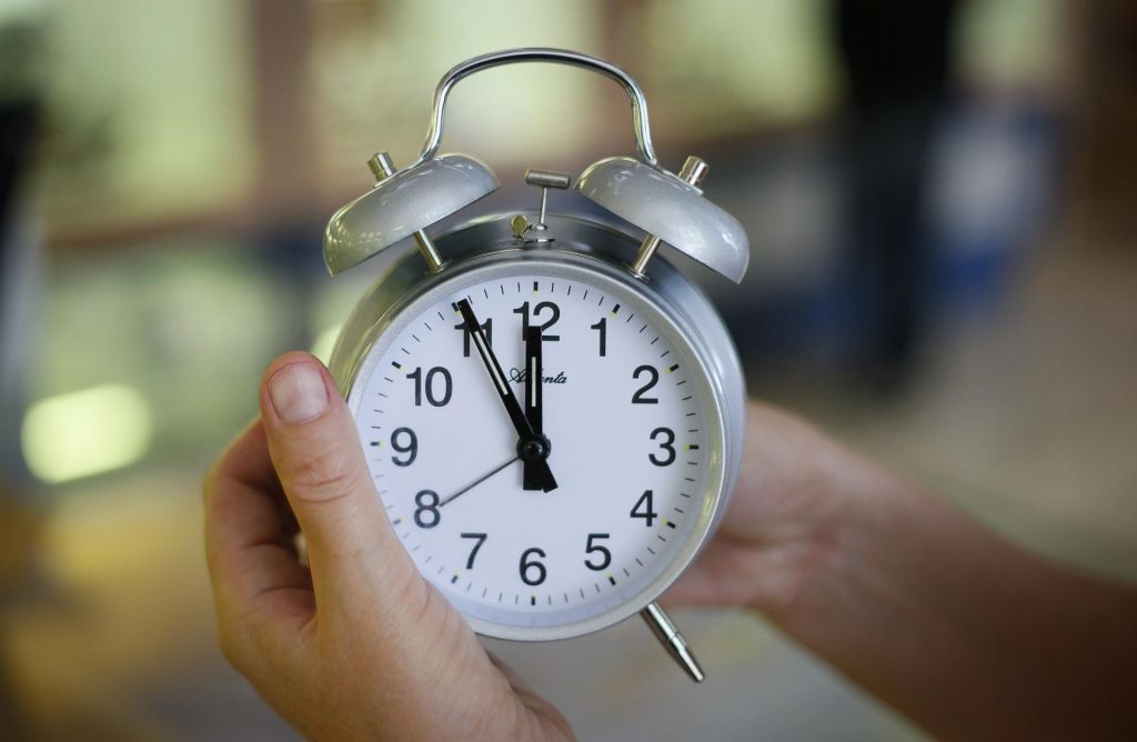 Jutri bomo dobili nazaj spomladi ukradeno uro