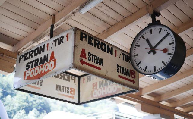 Železniška postaja je kot postaja v človekovem življenju ... Foto Leon Vidic/delo