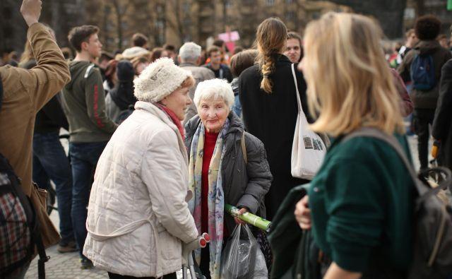 Storitve dolgotrajne oskrbe bo po projekcijah leta 2050 nujno potrebovalo devet od desetih ljudi, starejših od 80 let. Foto Jure Eržen