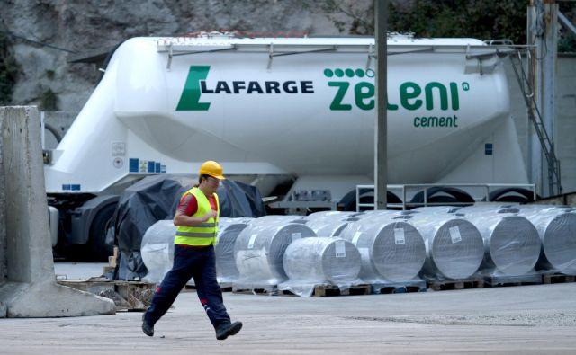 V trboveljski cementarni za razliko od proizvodnje cementa v preteklosti v rotacijski peči ne bodo proizvajali vhodne surovine za pripravo cementa, tako imenovani klinker, ampak ga bodo dovažali iz Avstrije. Foto Joze Suhadolnik