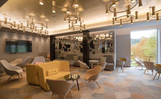 Na izjemni lokaciji s pogledom na Blejsko jezero je hotel dobil novo vizijo: štirizvezdično namestitev s ciljem izvajanja petzvezdičnih doživetij. FOTO: Aljosarebolj.com