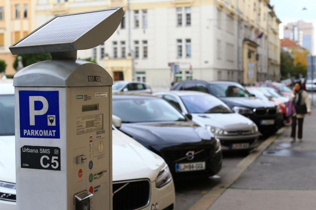 Občina razveljavila razpis za novih 800 parkomatov