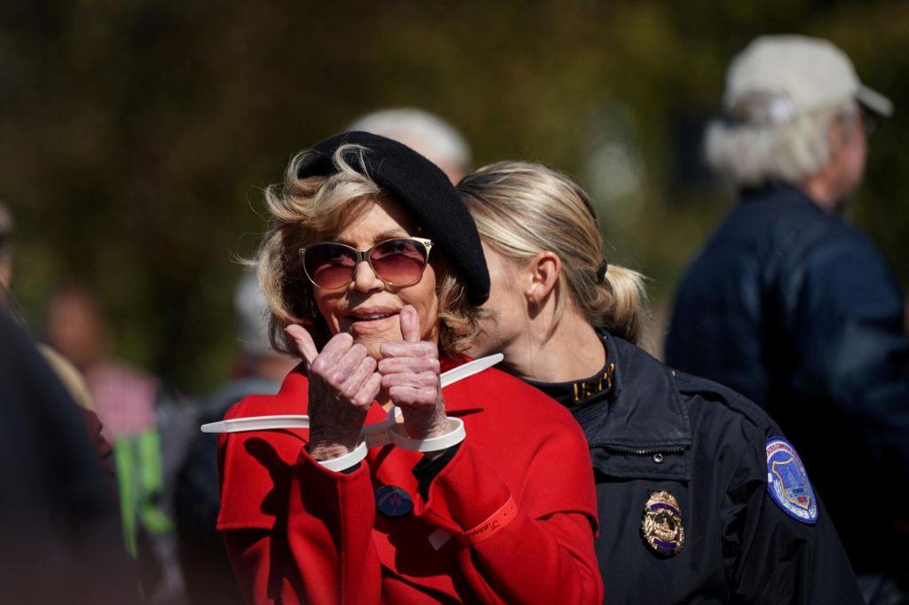 Jane Fonda spet aretirana pred ameriškim kongresom
