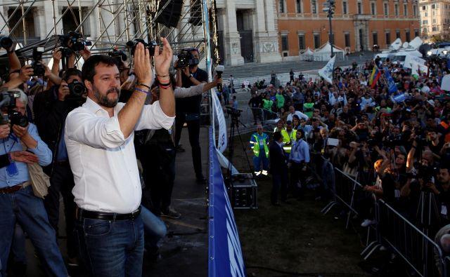 Shod je bil uperjen protidrugi vladi premiera Giuseppeja Conteja. Njegovo prvo vlado je v želji po predčasnih volitvah avgusta z vladno krizo spodkopal prav Salvini, tedanji podpredsednik in notranji minister. FOTO: Remo Casilli/Reuters