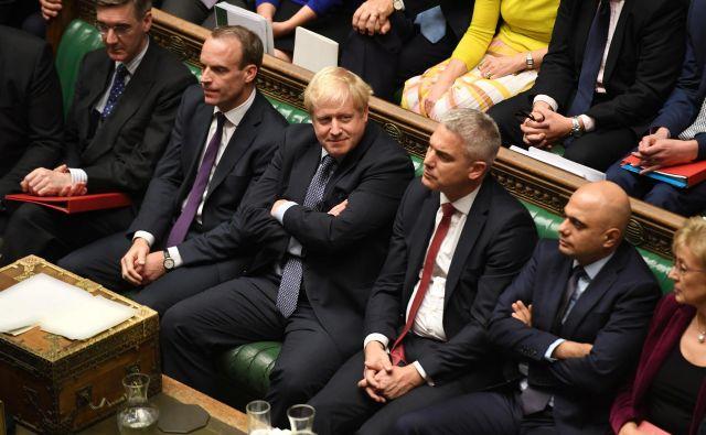 Britanska vlada ne namerava popustiti pod pritiski britanskih poslancev. Foto Reuters
