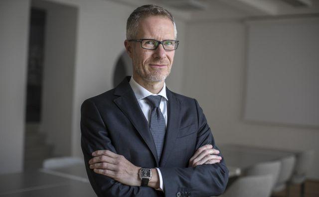Tudi v Banki Slovenije opažajo, da so naše banke v razmerah nizkih obrestnih razmer nekoliko spremenile svoje ravnanje. FOTO: Voranc Vogel/Delo