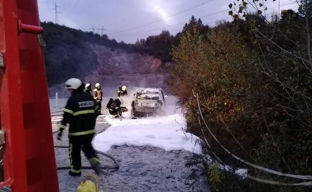 Oropano vozilo je pripadalo celjski družbi Sintal Celje, ki je del koncerna Sintal. FOTO: PGD Blagovica