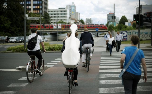 Kolesarska infrastruktura ima pomembno mesto v ljubljanskem proračunu. FOTO:Blaž Samec/delo