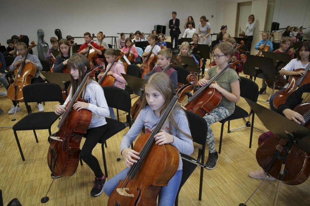 FOTO:Veliki orkester malih glasbenikov