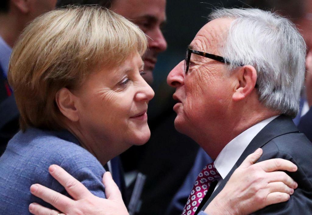 FOTO:Tisoč poljubov Jean-Clauda Junckerja