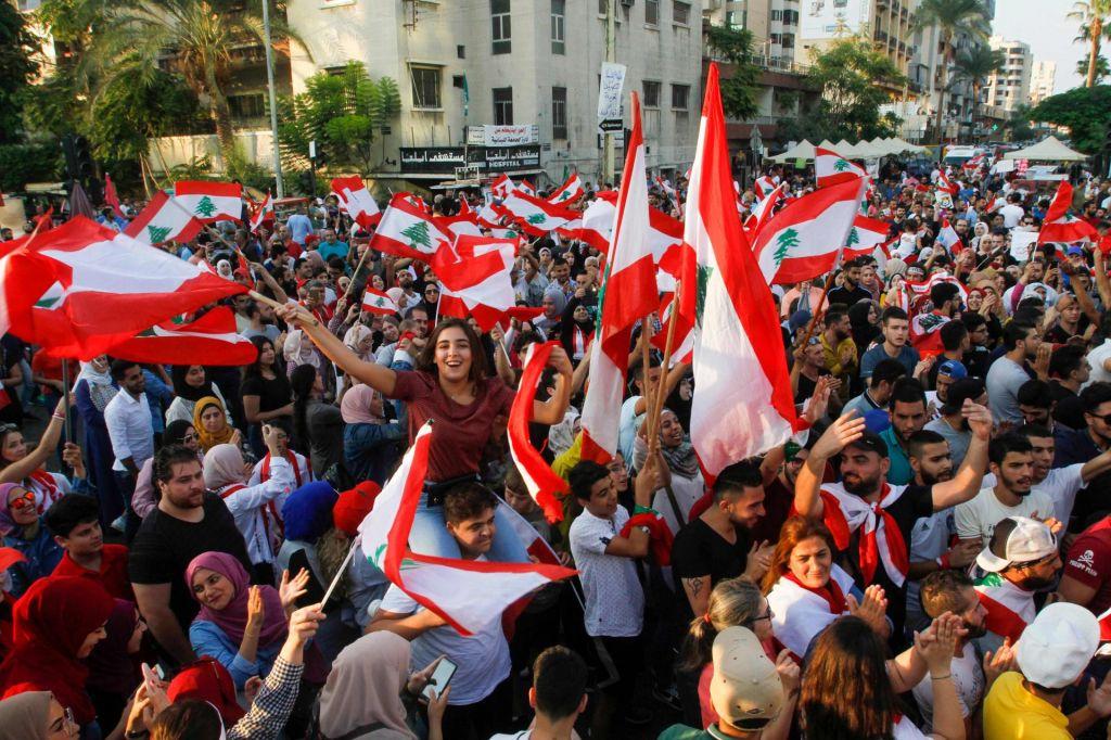 V odgovoru na proteste libanonska vlada sprejela sveženj reform