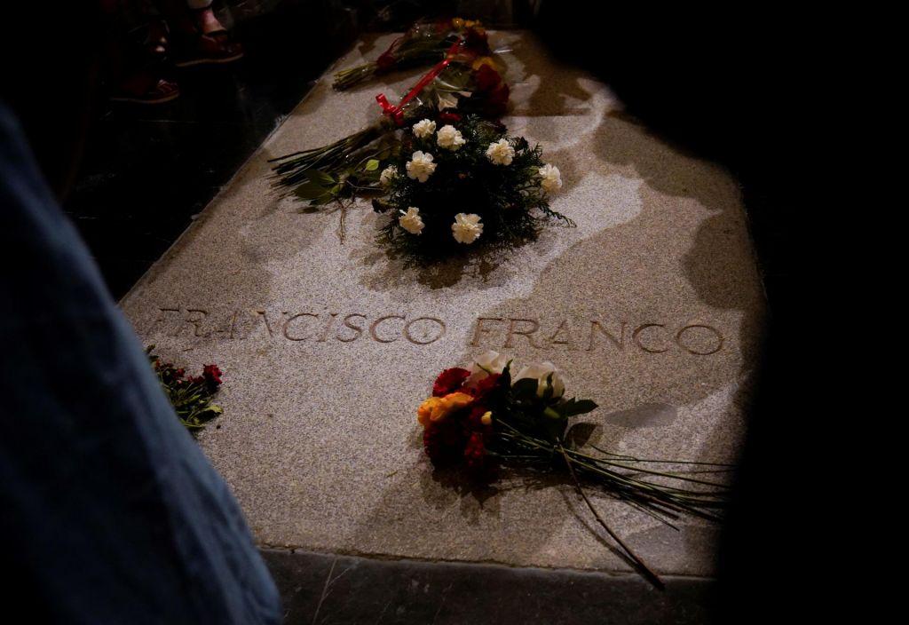 Španija bo Francove posmrtne ostanke prekopala v četrtek