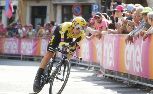 Primož Roglič je še naprej vodilni na lestvici UCI. FOTO: Leon Vidic
