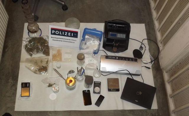 Policija je zaplenila precej dokazov: mamila, tehtnice in druge pripomočke za preprodajo. FOTO: LPD Koroška