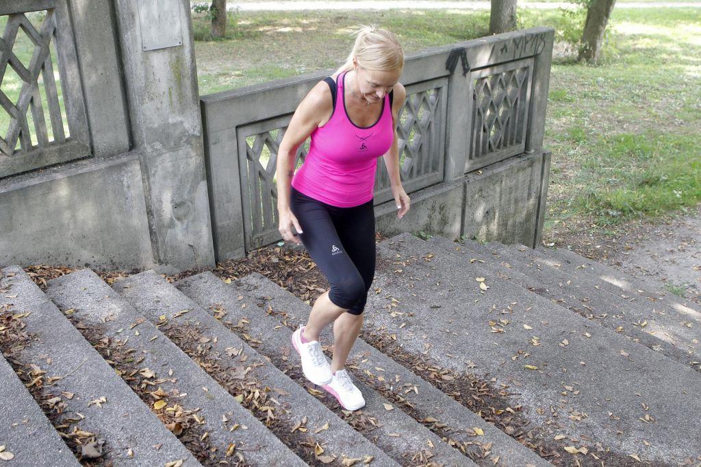 FOTO:Zunanje stopnice, telovadnica na prostem