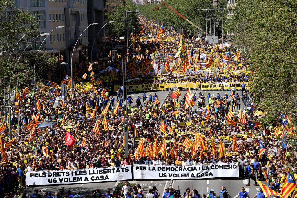 FOTO:Slovenci, Katalonci, Kurdi, Evropa in ZDA