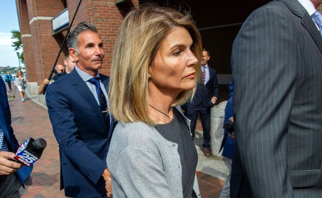 Lori in njen mož sta plačala približno pol milijona evrov, da sta se njuni hčeri vpisali na elitno univerzo. FOTO: Joseph Prezioso/AFP