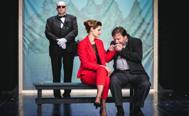 Dürrenmattova tragična komedija <em>Obisk stare gospe</em> v režiji Gojmirja Lešnjaka je bila druga šentjakobska premiera sezone. Foto Jernej Campelj