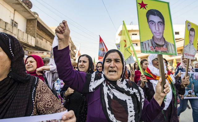 Kurdov, ki postajajo metafora, nikoli več nihče ne bo vprašal za mnenje. FOTO: Delil Souleiman/AFP
