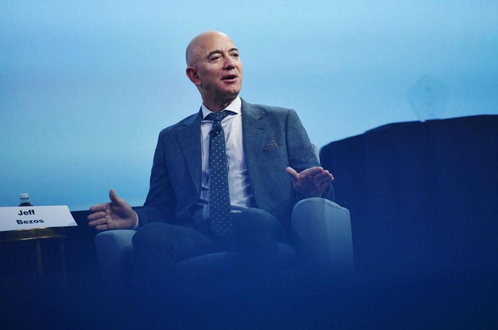 Bezos se povezuje z rivali, da bi uresničili»ameriške sanje«