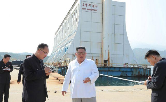 Kim Džong Un je dejal, da letovišču primanjkuje »severnokorejskega značaja.« FOTO: Str/Afp