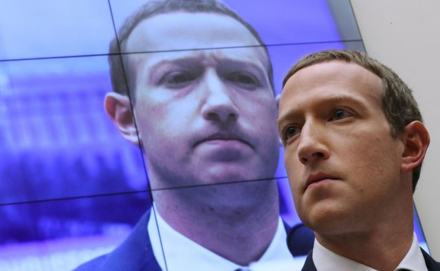 Po Zuckerbergovi napovedi, da bo lansiral libro, je med regulatorji završalo. Foto AFP
