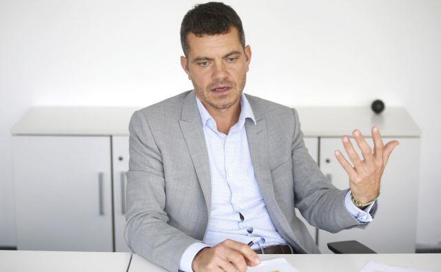 Slovenija se mora v svetu uveljaviti kot zanimiva destinacija za kapital, še posebno za kapital, ki spodbuja nove tehnologije, meni Luka Vesnaver, odgovorni partner za finančno svetovanje za jadransko regijo v Deloittu. FOTO: Roman Šipić/Delo