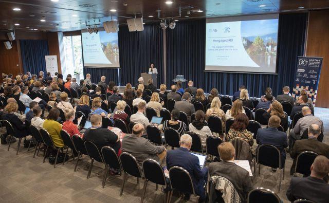 Na konferenci so razpravljali številni domači in tuji strokovnjaki. FOTO: Bor Slana