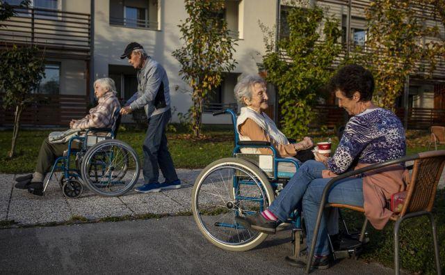 Domov za starejše imamo v Ljubljani premalo, s6tanovanjskih skupnosti zanje pa sploh ne poznamo. FOTO: Voranc Vogel/Delo