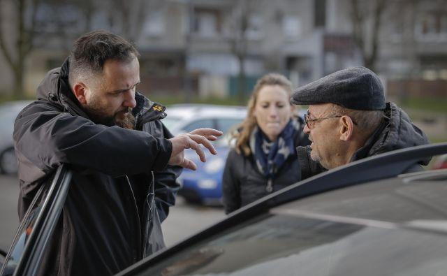 Matevž Luzar in Vlado Novak na snemanju nadaljevanke Foto Jože Suhadolnik