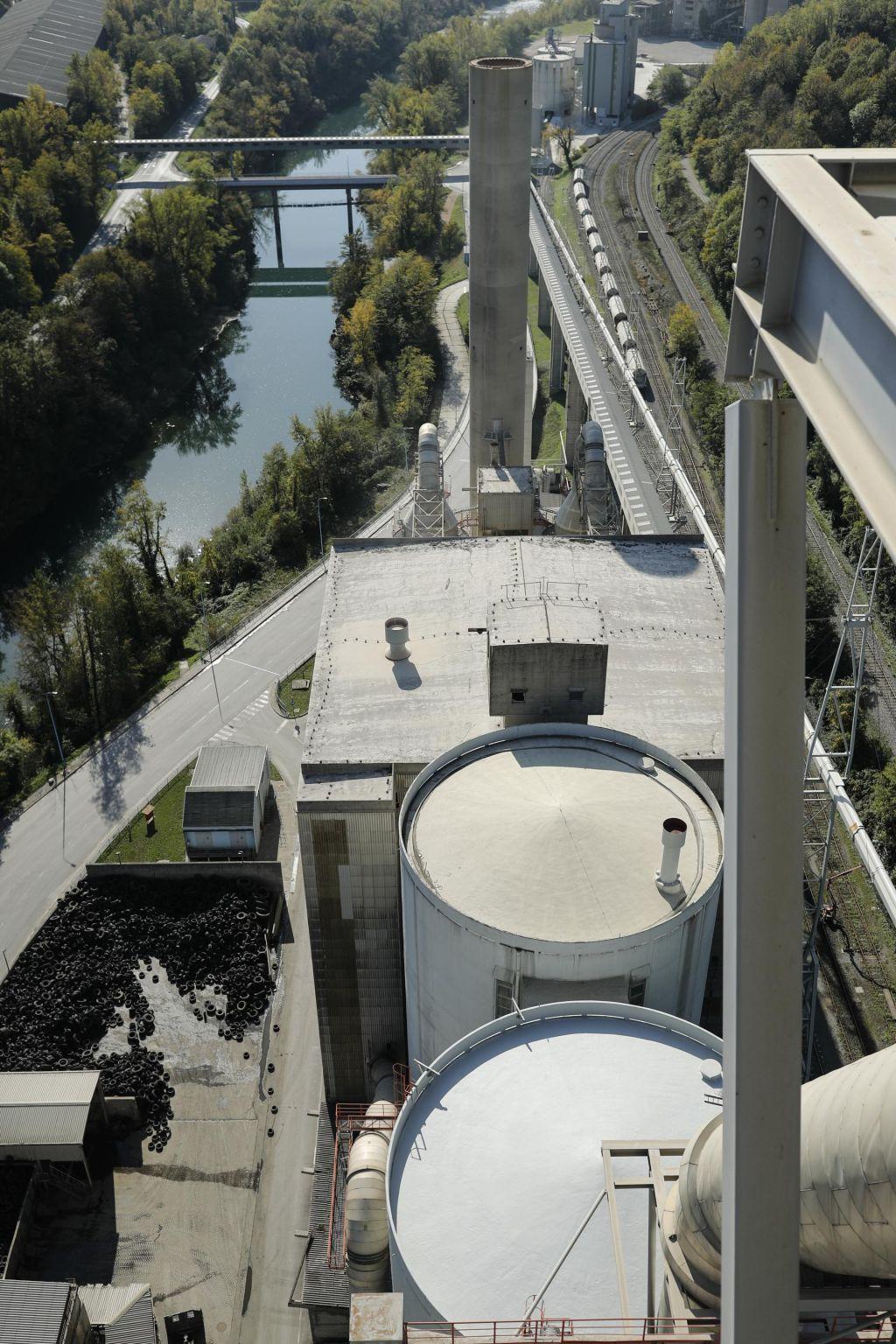 Občinski »nadzor« Salonitovih emisij bo - a šele v 2021