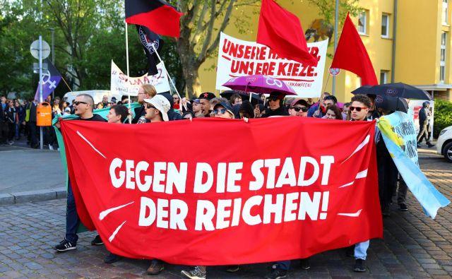 Nemci so protestirali proti visokim najemninam, bodo tudi proti pokojninskim spremembam? FOTO: Reuters