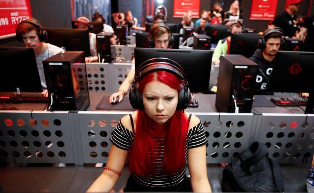 Industrija videoiger je pretežno v rokah moških – trije od štirih zaposlenih so moškega spola, zato so tudi igralke igric v manjšini. Foto Reuters