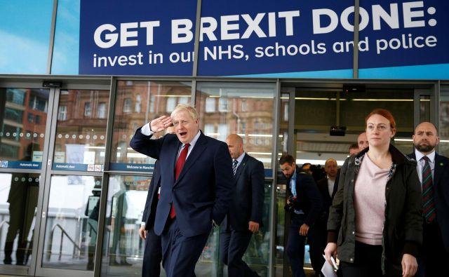 »Johnsonova pogodba se razlikuje od tiste, ki jo je zagovarjala nekdanja britanska premierka Theresa May.« Foto Reuters
