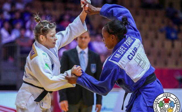 Tina Trstenjak (levo) je v velikem finalu v podaljšku strla odpor Kubanke<strong> </strong>Maylin Del Toro Carvajal. FOTO: Marina Mayorova/IJF
