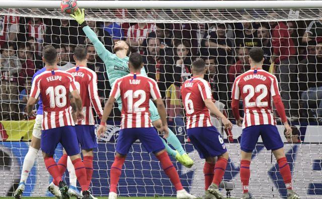 Jan Oblak je proti Athleticu iz Bilbaa že na 65. od svojih 163 ligaških tekem v Španiji ohranil mrežo nedotaknjeno. FOTO: AFP