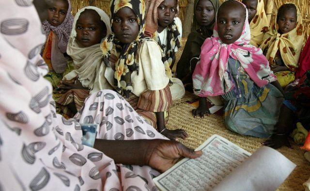 Zgolj na teoriji utemeljene politike pomoči pogosto revnim ne prinesejo prav nobene koristi, včasih lahko celo škodujejo. Foto Reuters