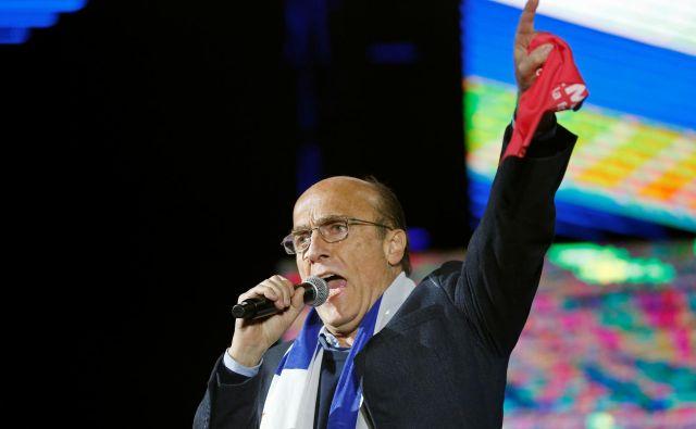Kandidat leve koalicije Daniel Martínez bo jutri predvidoma zbral največ glasov. FOTO: Mariana Greif/Reuters