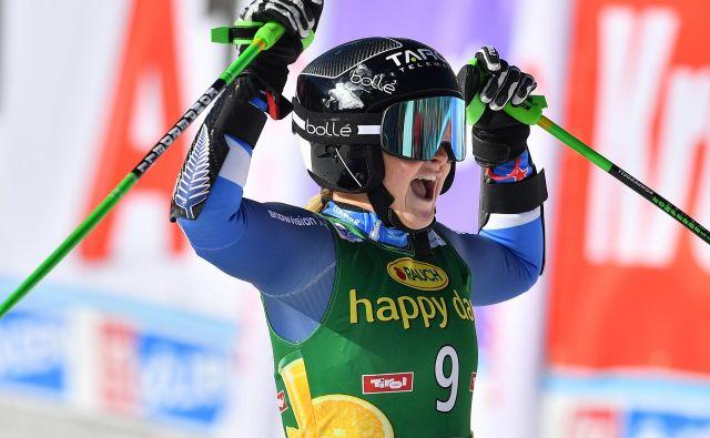 Novozelandka Alice Robinson, zmagovalka uvodne tekme za svetovni pokal, je bila ob svojem dosežku v cilju šokirana. Ni se povsem umirila niti na novinarski konferenci. FOTO: Joe Klamar/AFP